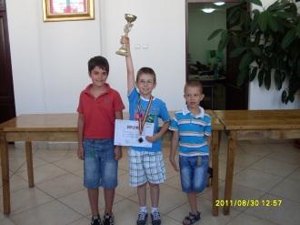 Paul ,Dragos ,Tristan
